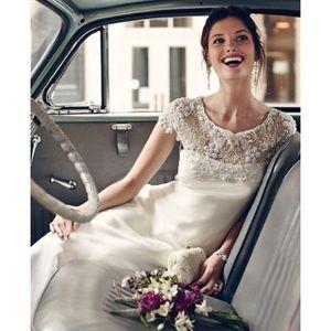 Ranna Gill Avalon Gown Wedding Dress